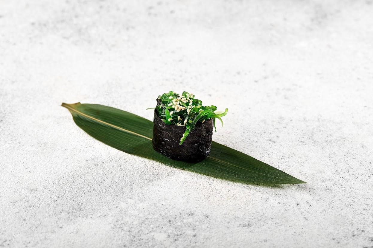Image / Кошик з салатом чука